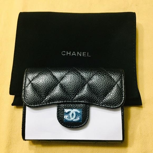 CHANEL Handbags - Black Caviar leather Chanel flap card holder